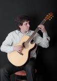 играть музыканта гитары Стоковое Изображение RF