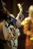 играть музыканта электрической гитары Стоковые Фотографии RF