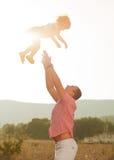 Играть отца и дочери Стоковая Фотография RF