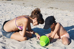 играть пляжа Стоковые Изображения