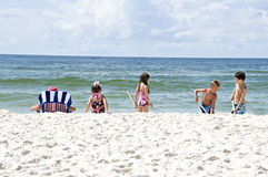 играть пляжа Стоковая Фотография