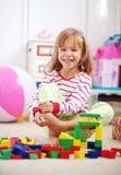 играть ребенка кирпичей Стоковые Фотографии RF