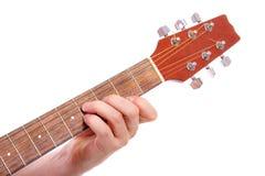 играть руки гитары крупного плана Стоковые Фотографии RF