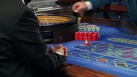 Играть рулетку в казино сток-видео