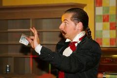 Играть с огнем - представление актером illusionist волшебник римский борщ Стоковая Фотография