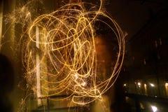 Играть с светами на ноче Стоковое Изображение RF