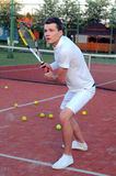 Играть теннис Стоковая Фотография RF