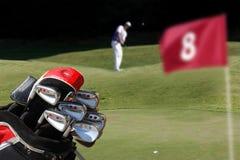 играть человека гольфа стоковые фото