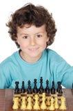 играть шахмат мальчика Стоковые Изображения RF