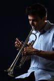 играть trumpet Стоковая Фотография