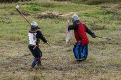 играющая Рол игра воссоздает сражения Монгол-татарского хомута в зоне Kaluga России 10-ого сентября 2016 стоковые фото