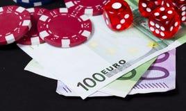 Играя в азартные игры выигрывая изолированная принципиальная схема дег Стоковое фото RF