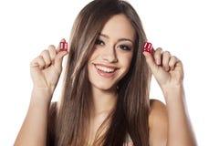 Играя в азартные игры девушка Стоковая Фотография RF