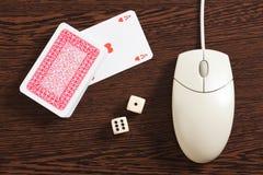 играя в азартные игры интернет Стоковое фото RF