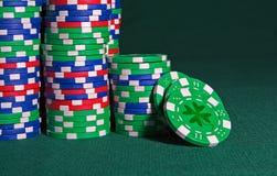 играя в азартные игры ирландское везение Стоковое фото RF
