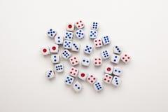 Играя в азартные игры концепция кости Стоковые Изображения