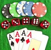играя в азартные игры установленные предметы Стоковое фото RF