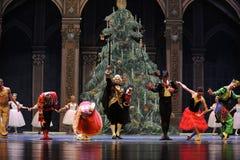 Играя главные роли вызов актеров на сцену - Щелкунчик балета стоковое изображение