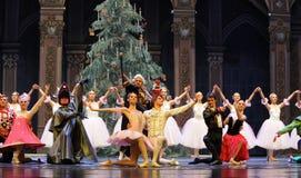 Играя главные роли вызов актеров на сцену - Щелкунчик балета стоковое изображение rf