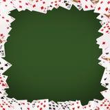 Играя карточки летая на белую предпосылку Стоковая Фотография