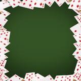 Играя карточки летая на белую предпосылку Стоковое Изображение RF