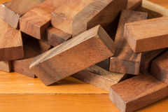 Игра башни деревянного блока для детей Стоковые Фото