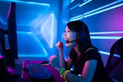 Игра выигрыша gamer спорта кибер стоковые изображения rf