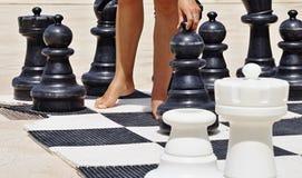 Игра в шахмат на пляже Стоковое Изображение