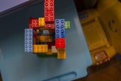 Игра конструкции с кирпичами различных цветов Стоковая Фотография RF