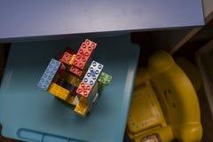 Игра конструкции с кирпичами различных цветов Стоковая Фотография