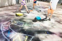 Игра классиков нарисованная на дороге с мелом Стоковая Фотография