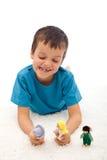 игра мальчика отечественная играя расправу марионеток Стоковое Фото