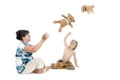 игра мати мальчика медведя Стоковые Изображения RF