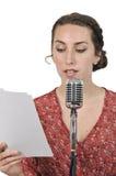Игра радио женщины стоковая фотография rf
