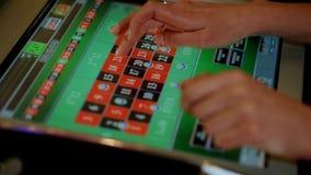 Игра рулетки казино электронная сток-видео