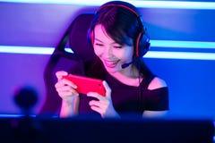 Игра телефона игры gamer Cybersport стоковые фотографии rf