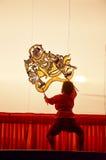 Игра тени марионеток Nang Yai на Национальном музее Wat Khanon, Ratcha Buri Таиланде Стоковые Фотографии RF