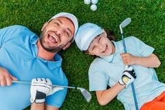 игроки в гольф счастливые стоковая фотография rf