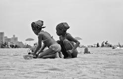 Игроки песка на острове кролика Стоковое Фото