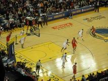 Игрок блейзеров Портленда капает вниз с суда против Gol стоковое фото rf