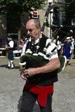 Игрок волынки в Quimper, Бретани, Франции Стоковое Изображение