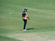 Игрок в крикет Yuvraj Singh идя с поля стоковое изображение rf