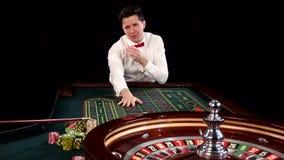 Игрок в покер черный акции видеоматериалы
