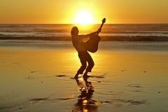 игрок гитары пляжа Стоковые Изображения RF