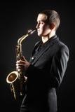 Игрок саксофона с альтом саксофона Стоковое Изображение