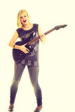 Игрок художника женщины с электрической гитарой Стоковая Фотография RF
