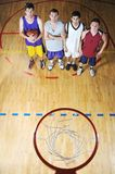 Игрок центра событий корзины на зале спорта Стоковое Изображение