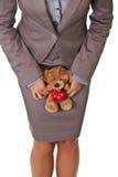 игрушечный влюбленности удерживания принципиальной схемы коммерсантки медведя Стоковые Изображения RF