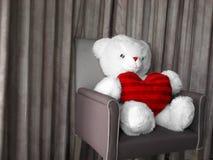игрушечный красного цвета сердца стоковые изображения