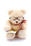 игрушечный чтения медведя Стоковое Изображение RF